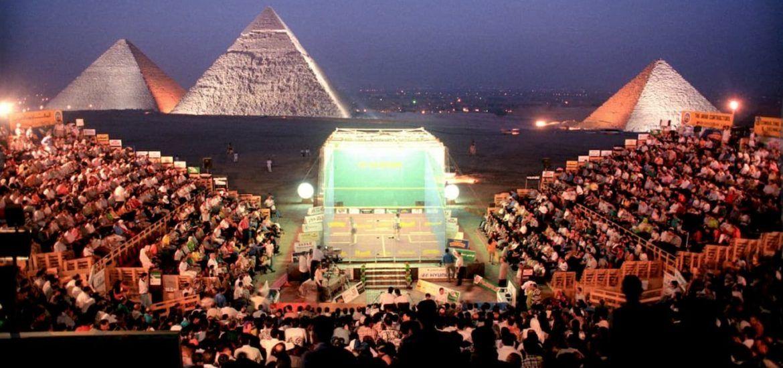 Cancha de Squash frente a las Pirámides
